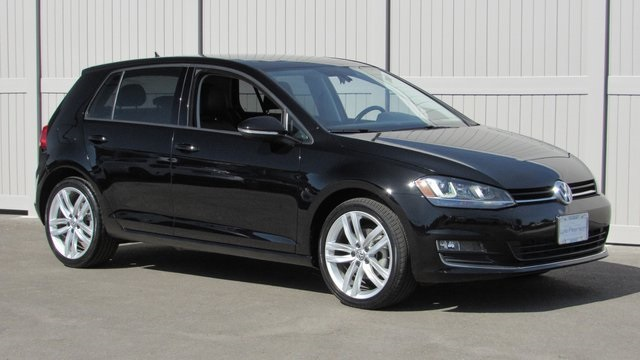 Pre-Owned 2015 Volkswagen Golf TSI SE 4-Door